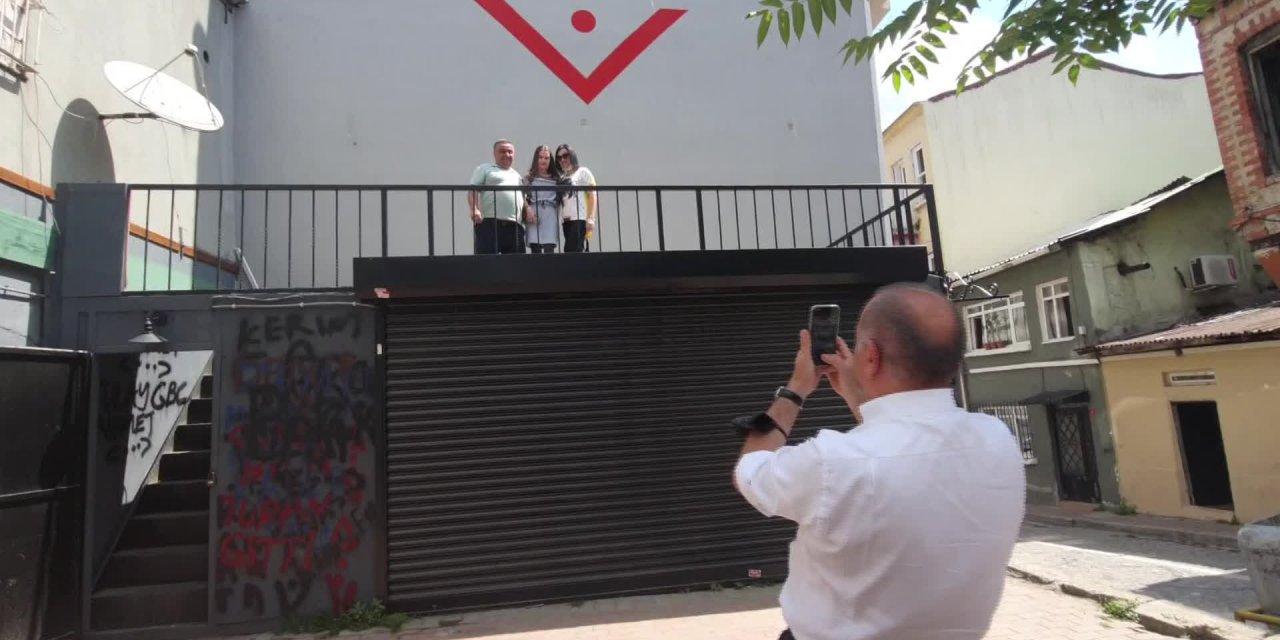 Gürsel Tekin: Vatandaşın Sofrasında Peyniri, Zeytini Yok Ama Ankara'da Caka Atanlar Var