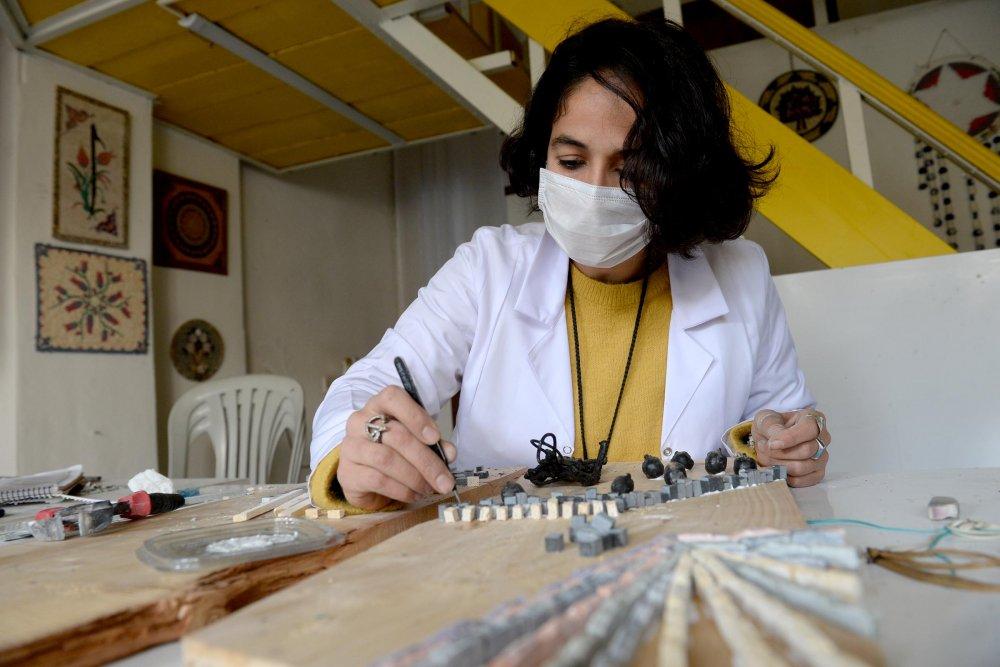 Hobi Olarak Başladığı Mozaik Sanatında, Dünyaya Açıldı