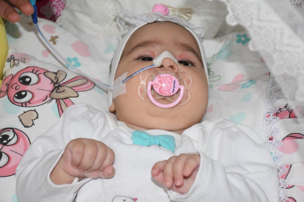 SMA Teşhisi Konulan 6 Aylık Elif, Yaşamını 5 Tıbbi Cihaza Bağlı Sürdürüyor