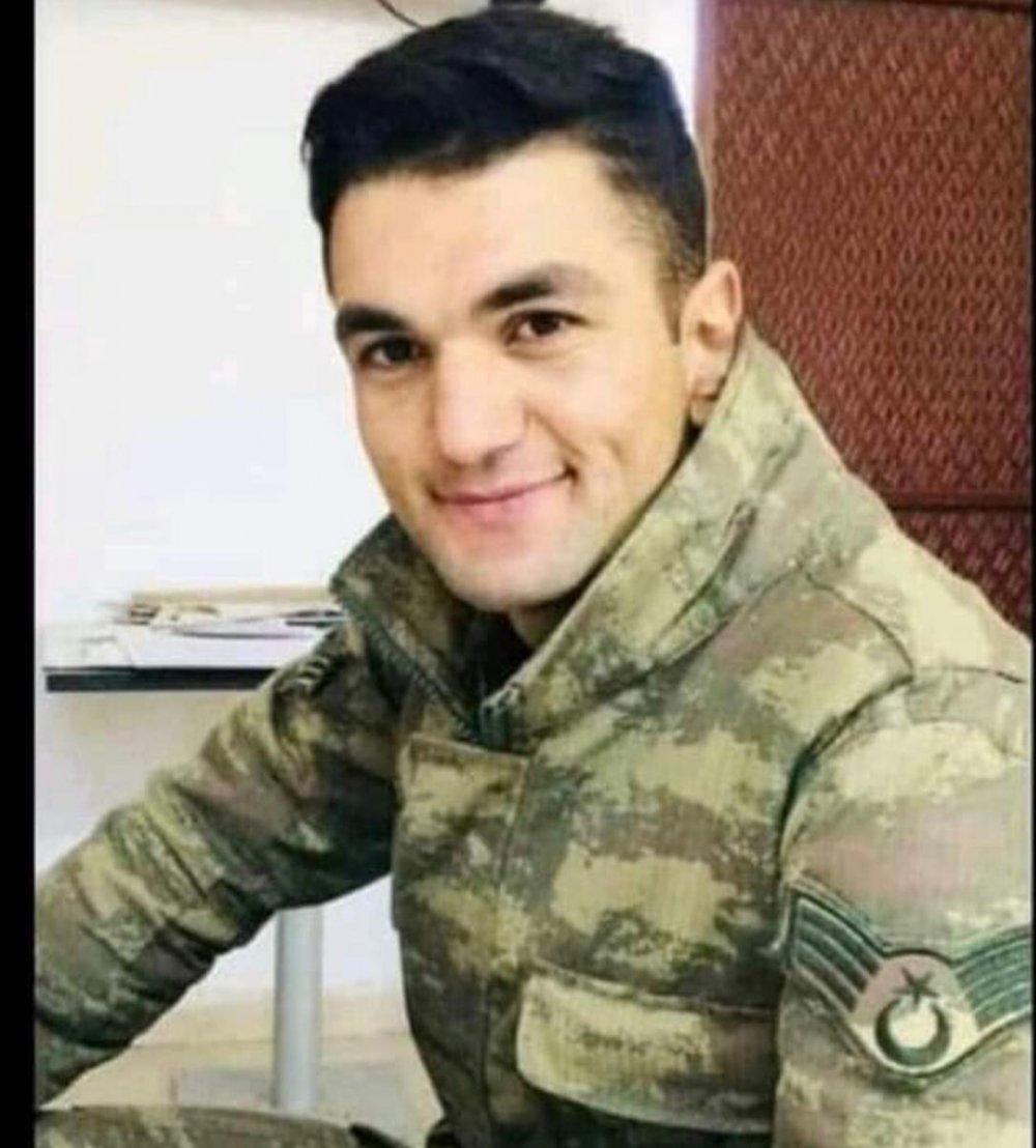 Helikopter Kazasında Şehit Olan 11 Askerin Fotoğrafları