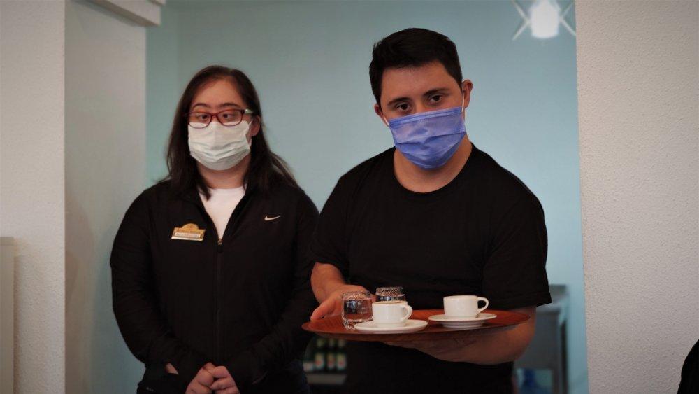 Down Sendromlu Bireyler, Bu Kafede Çalışarak Topluma Entegre Oluyor