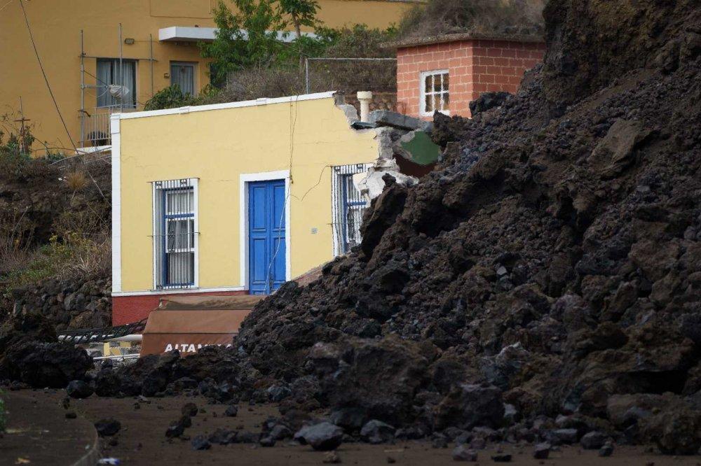 Kanarya Adaları'ndaki Yanardağ Felaketi Havadan Görüntülendi
